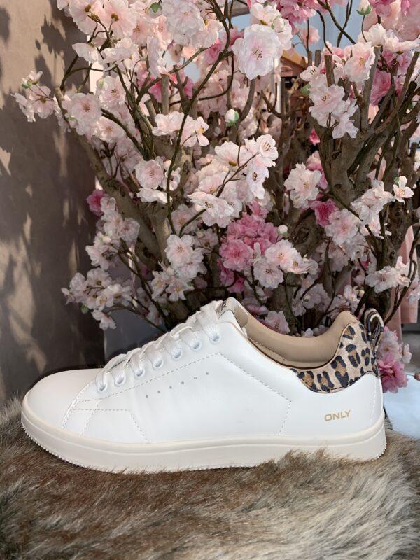 Witte sneaker leo