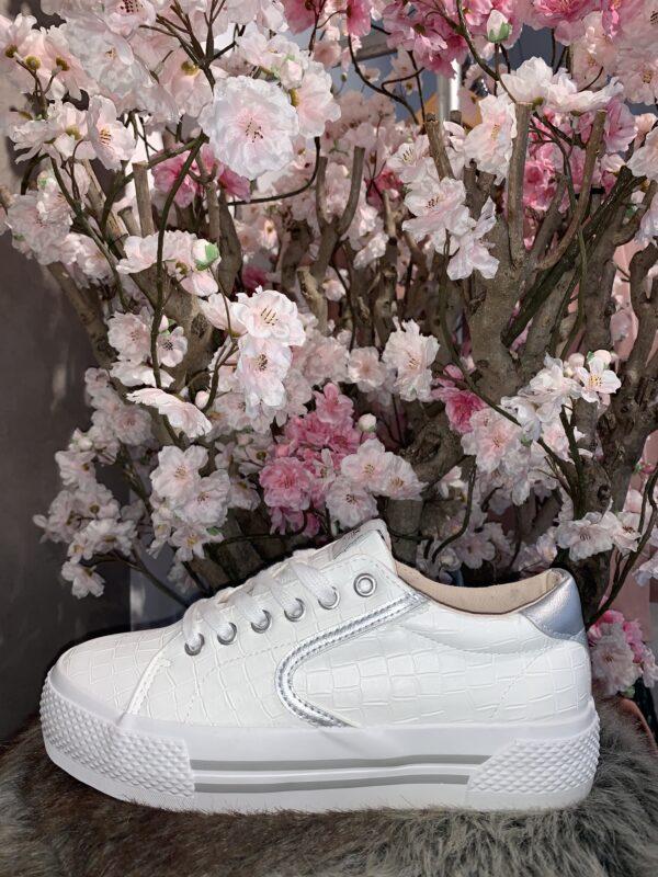 Witte sneakers croc